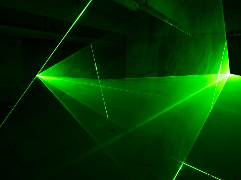 """Saarländisches Künstlerhaus Saarbrücken e.V., Rainer Plum – """"Der kristalline Raum"""", Laserinstallation 17.01. – 10.03.2019"""